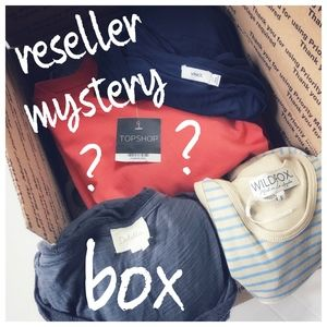 IT'S FINALLY HERE! MY MYSTERY BOXES HAVE ARRIVED!!